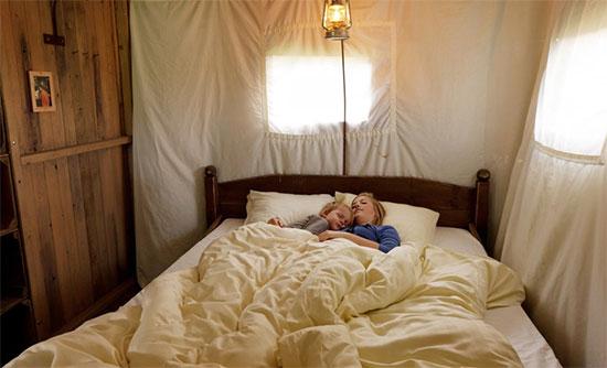 Comfortabel slapen in een tent op een boerderij.