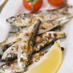 Sardines op de BBQ met rucola en pijnboompitten
