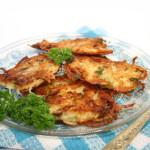 Aardappelkoekjes van de barbecue