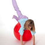 Leer kinderen stevig in hun schoenen staan met balansoefeningen