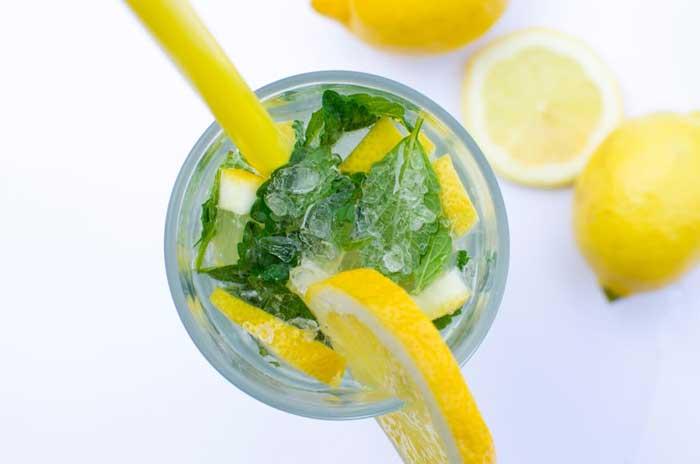 is warm water drinken gezond