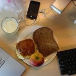 Mindful-eten-Doorwerken-tijdens-lunch