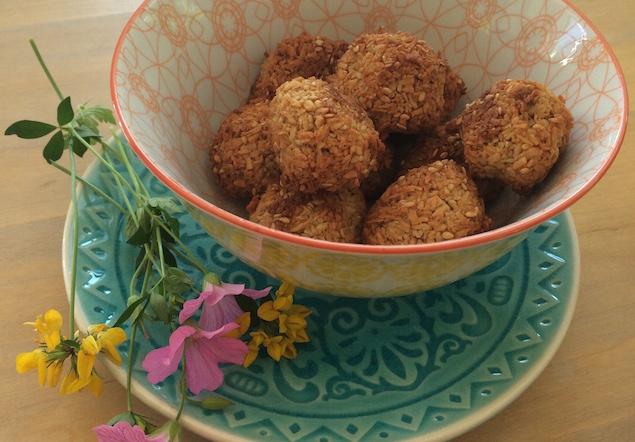 suikervrije-kokosballetjes-sesam