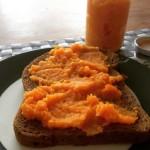 Gezonde sandwichspread van wortel maken