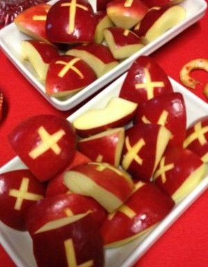 Appelpartjes als mijter van Sinterklaas