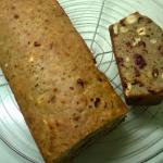 Kerstbrood met vruchten en noten