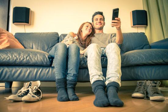Bankhangen en televisie kijken levert slechter geheugen op.
