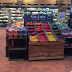 Supermarkt met grote versafdeling voor normale prijs