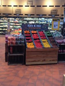 Veel soorten groenten en fruit in deze Jumbo vestiging met foodmarkt