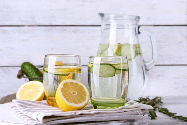 Waarom water drinken? 10 goede redenen!