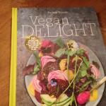 Nieuw en trendy veganistisch kookboek: Vegan delight