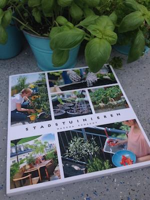 Leuk boek over moestuinieren in kleine tuintjes