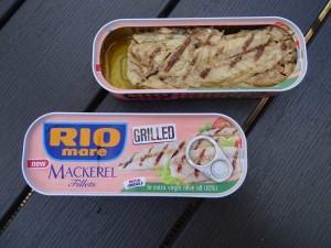 Gegrilde makreel uit blik met olijfolie