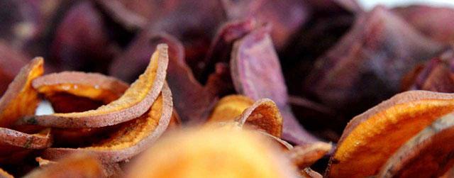 Gezond snacken met chips van zoete aardappel