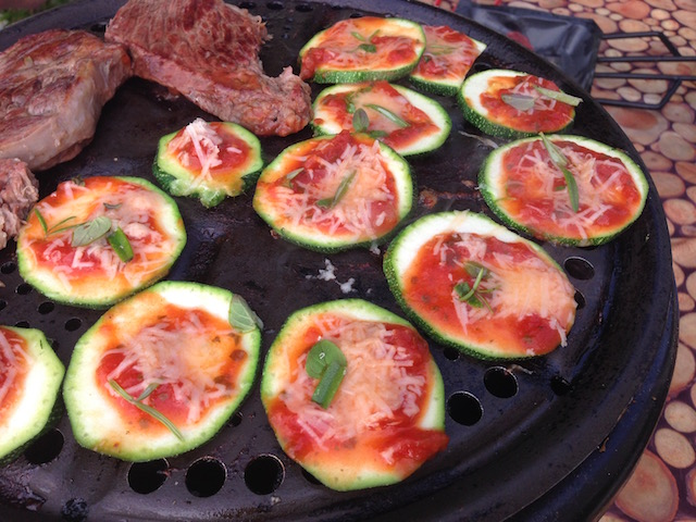 courgette pizza op bbq -cobb