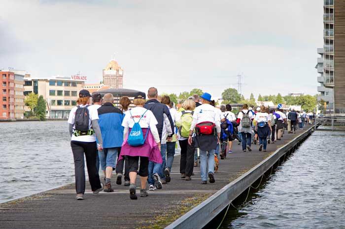 Wandelen in de Zaanstreek, steun strijd tegen borstkanker