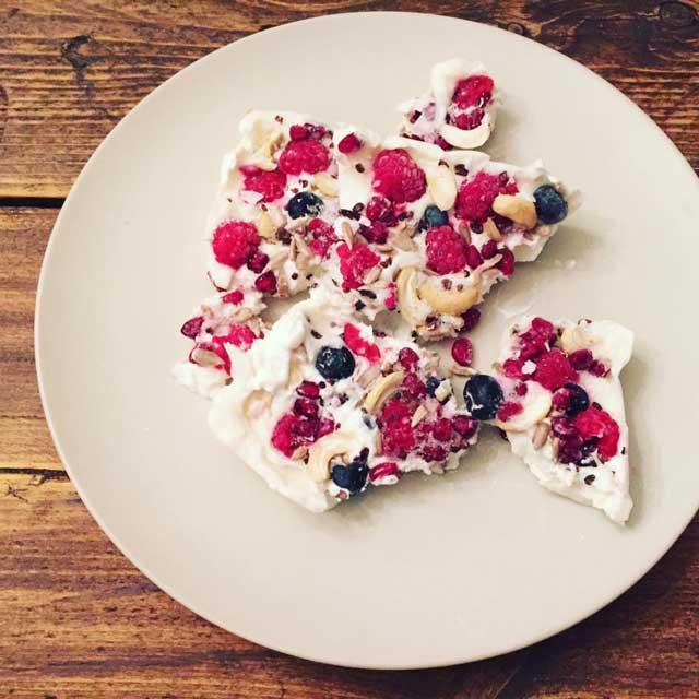 Witte chocolade met fruit, gezonde zoete snacks van Clean Eating Dieuwke