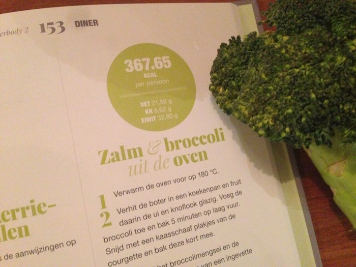 Zalm met broccoli uit de oven, recept uit Killerbody 2.