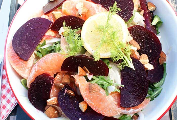 Suikervrij leven, alleen natuurlijke suikers. Zoals in deze salade met bieten en grapefruit.