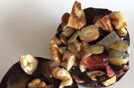 Zelf chocolaatjes maken voor een gezonde high tea