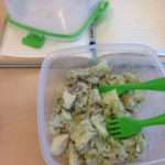 Zelf maken, gezonde makreelsalade met appel en bleekselderij
