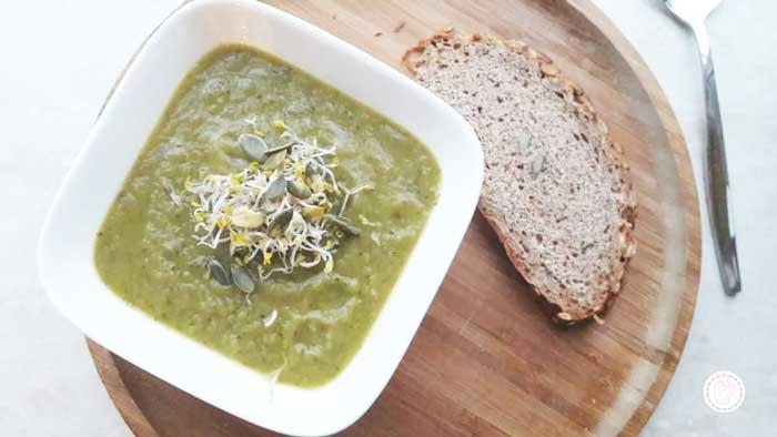 Recept courgettesoep met pompoenpitten. Heel gezond!