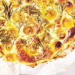 Hartige taart met tomaat en geitenkaas, slechts 4 ingrediënten!