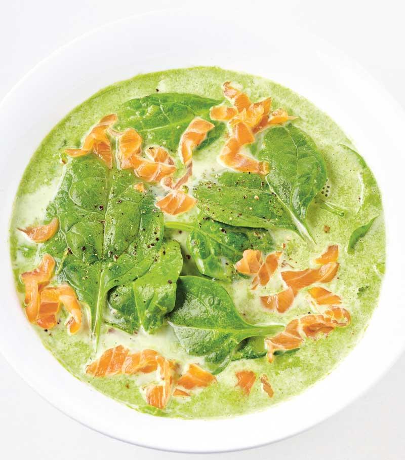 Recept spinaziesoep met kokos en zalm