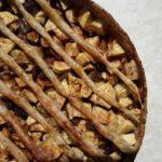 Traditionele, maar gezonde noten-appeltaart