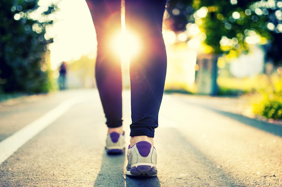 Oefeningen doen tijdens het wandelen