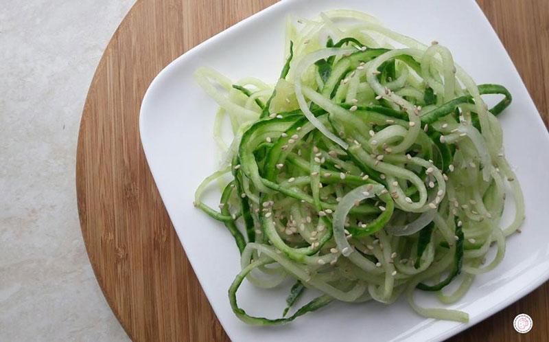 Komkommernoodles recept