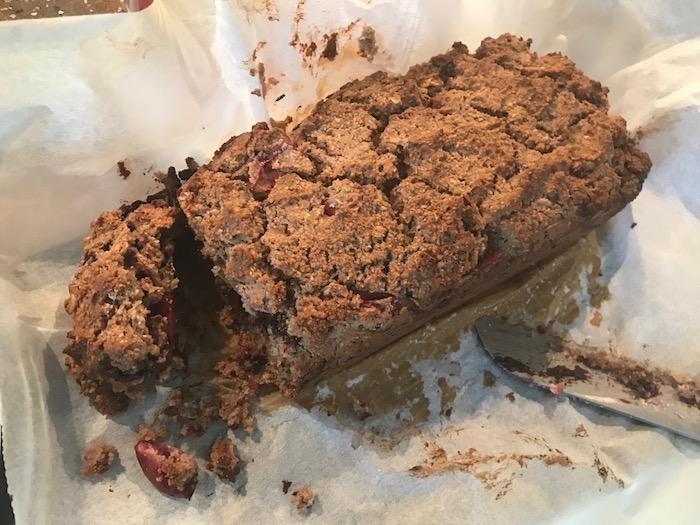 Recept Haver-kokos-amandel-bessenbrood met chocolade
