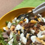 Tonijnsalade met avocado en amandelen