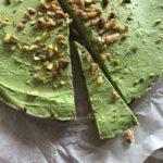Gezonde groene cheesecake met matcha
