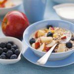 Overslaan ontbijt leidt tot hart- en vaataandoeningen en gewichtstoename!