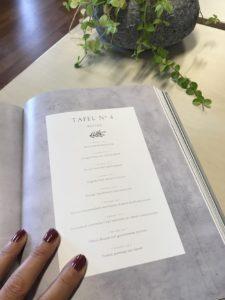 Eetbeleving staat centraal in dit sfeervolle kookboek met recepten uit de Franse keuken.