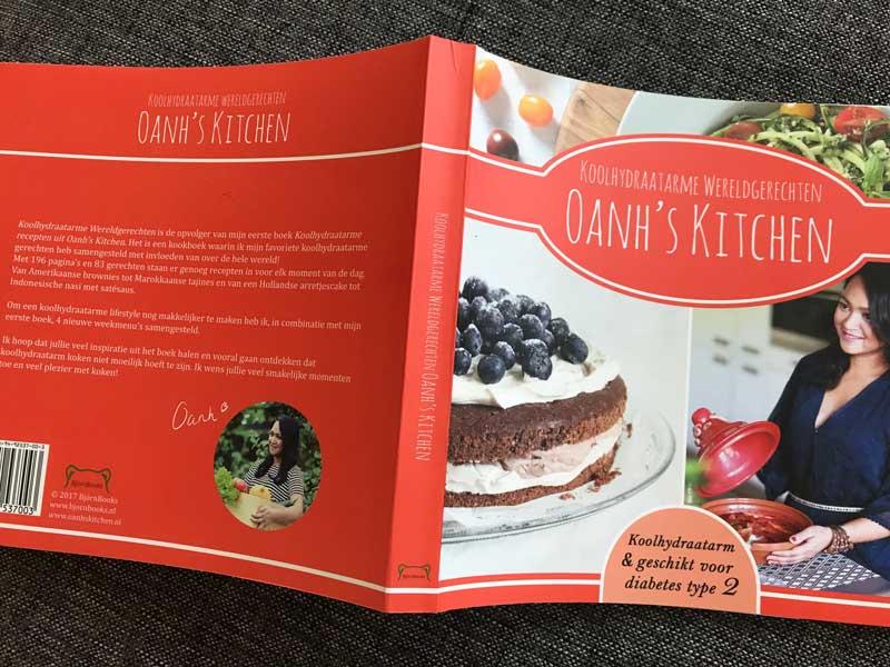 Boek met koolhydraatarme recepten van Oanh