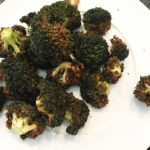 Geroosterde broccoli uit de airfryer, vegan recept