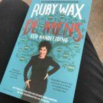 Het nieuwste boek Ruby Wax gaat over… De mens, een handleiding.