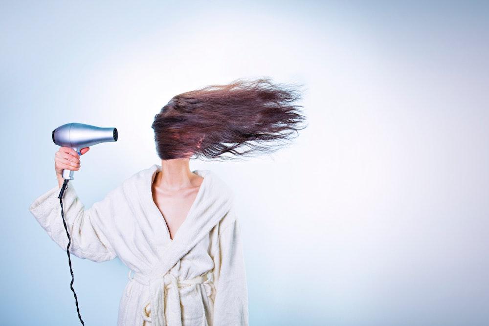 Hoe kun je het beste je haren verzorgen na het sporten?