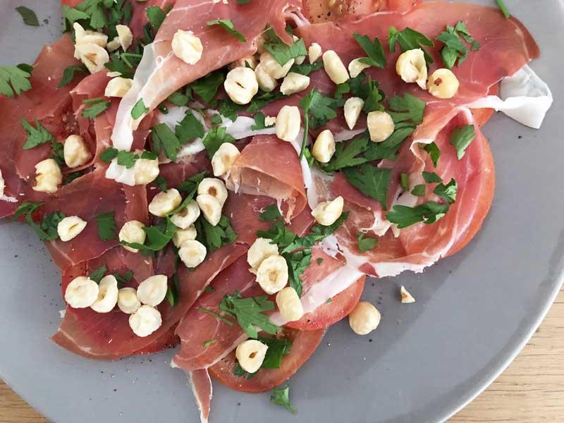 Recept tomaten-ham-salade uit het boek van Cortvriendt en Naessens