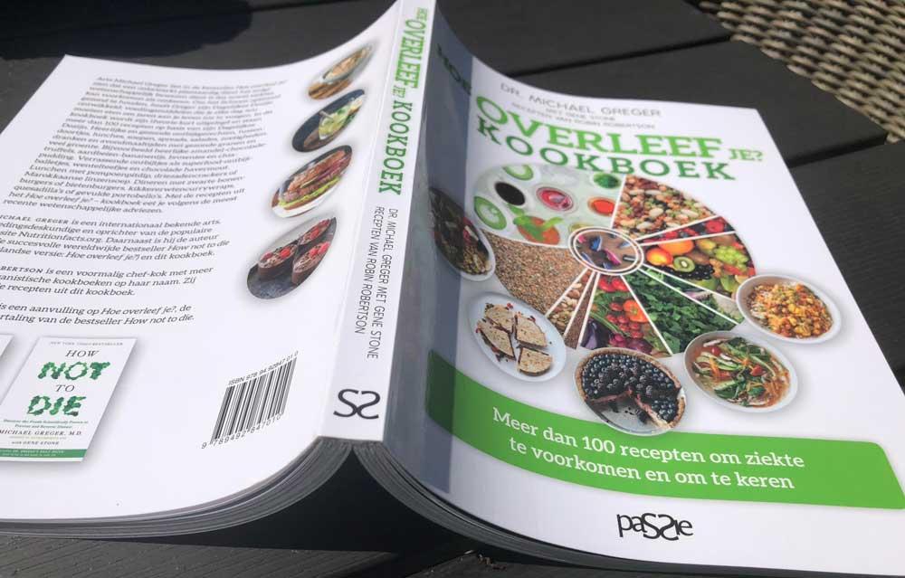 Het Hoe Overleef Je Kookboek, vol plantaardige recepten.