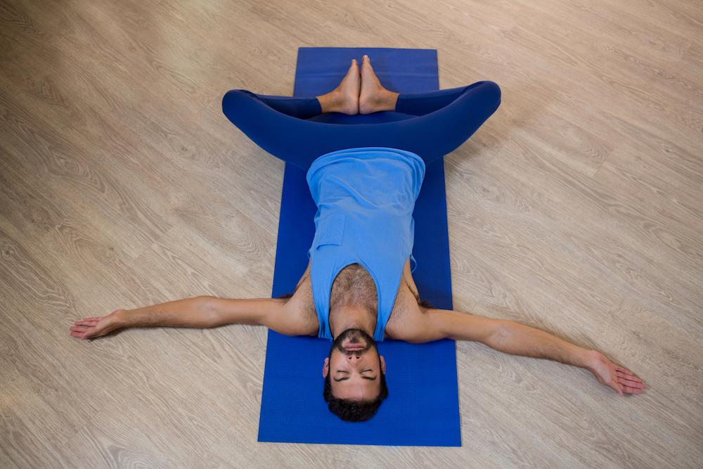yoga houding spijsvertering - vlinder