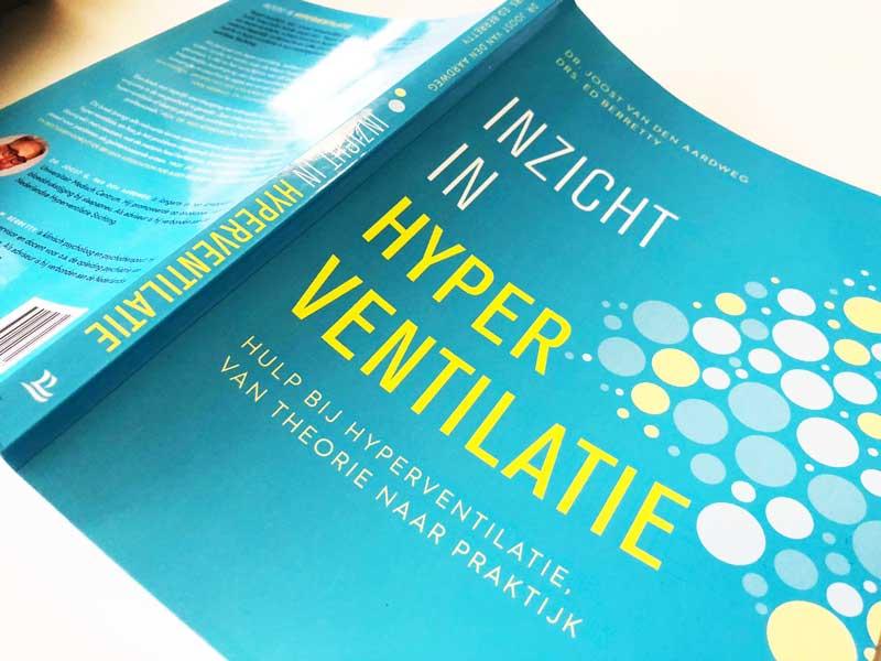 Boek over psychische en lichamelijke oorzaken van hyperventilatie