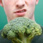 8 Dingen die er kunnen gebeuren als je geen groente eet!
