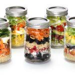 preppen van gezonde voeding - glazen jars