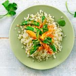 Koolhydraatarm recept Thaise kipcurry met bloemkoolrijst