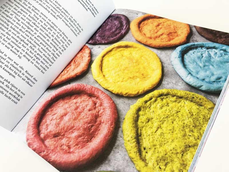 Gekleurde pizzabodems zelf maken