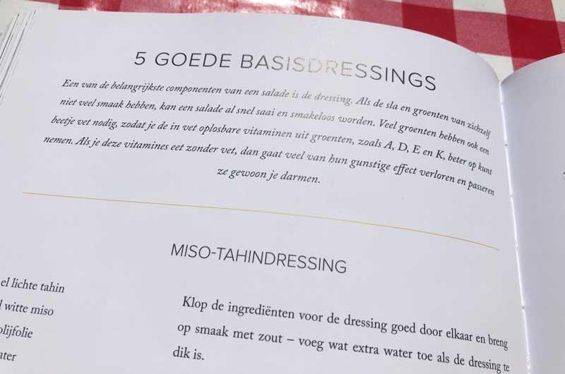 Kookboek met salades en dressings