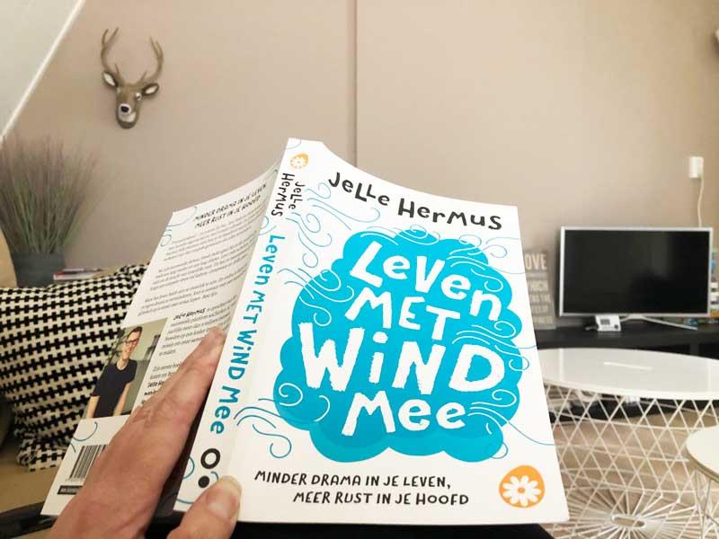 Lekker lezen in het nieuwste boek van Jelle Hermus van soChicken